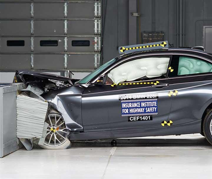 Краш-тест купе BMW 2 Series Coupe
