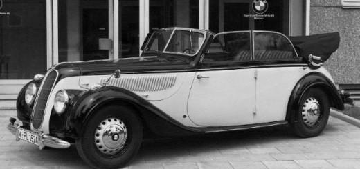BMW 335 - самый роскошный 4-местный кабриолет