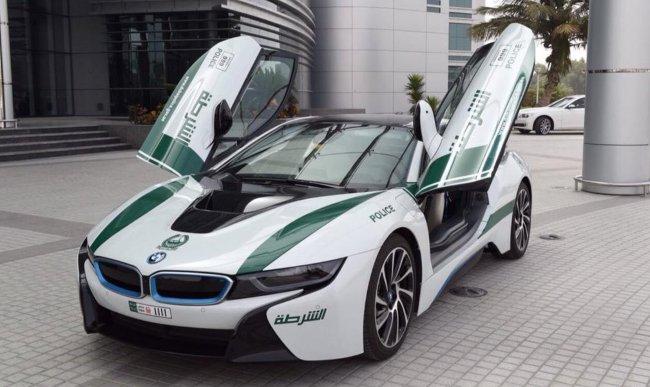 BMW i8 i12 - транспорт для полиции Dubai