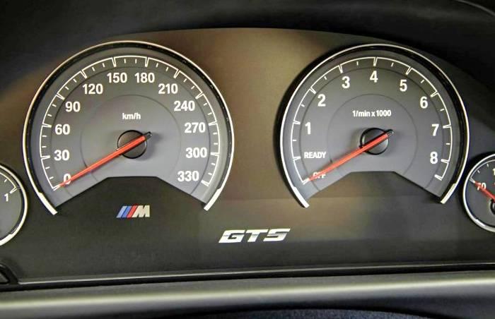 Панель приборов BMW M4 GTS F82