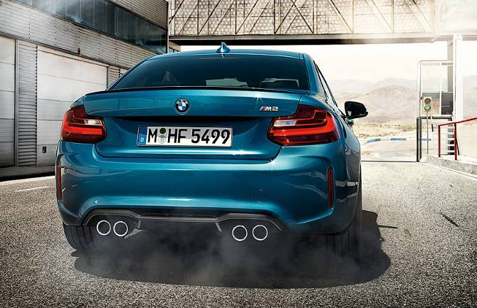Фото купе BMW M2 F87