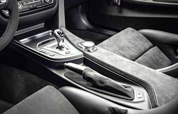Центральная консоль BMW M4 GTS F82