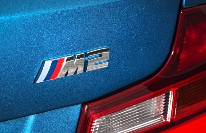 Шильдик BMW M2 F87