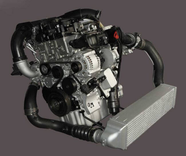 Фото двигателя BMW B38 для МИНИ и 2 серии