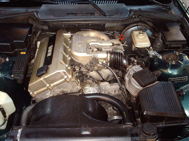 Фото двигателя BMW M42 - 1