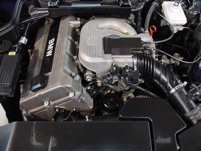 Фото двигателя BMW M44 - 2