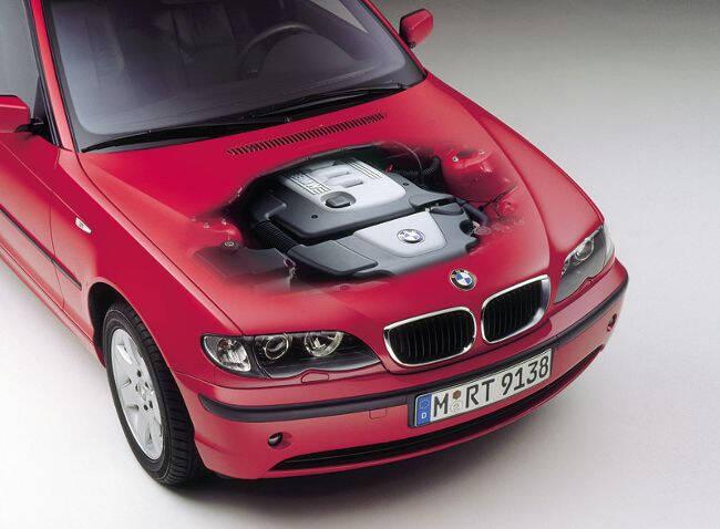 Фото двигателя BMW M47 под капотом 320d E46