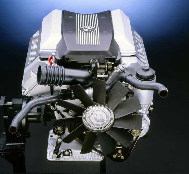 Фото двигателя BMW M60 - 2
