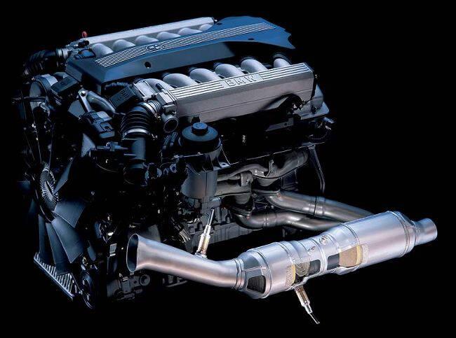 Фото двигателя BMW M73 B54