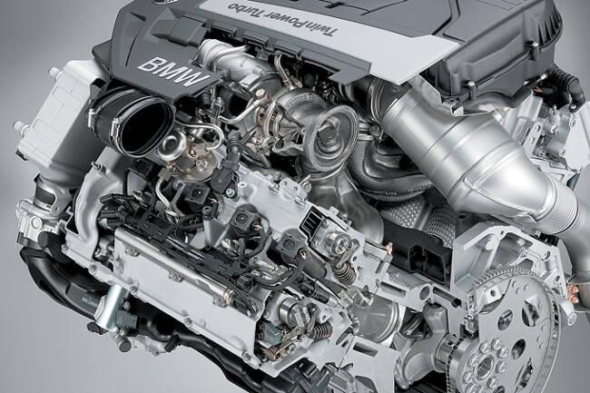 Фото двигателя BMW N63TUB44 в разрезе