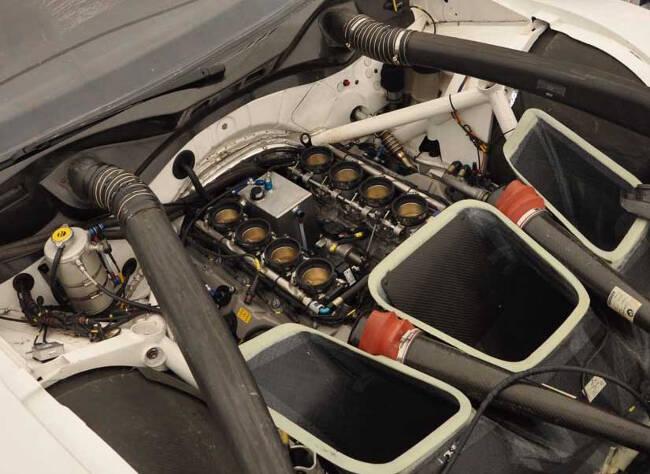 Фото двигателя BMW P65 V8