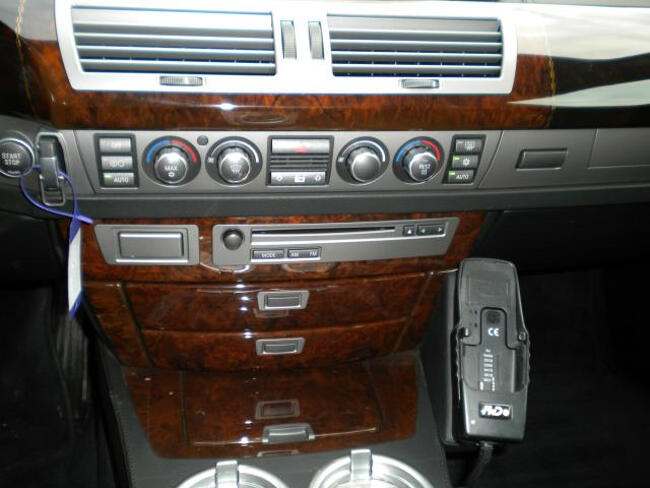 BMW 745Li E67 - 11