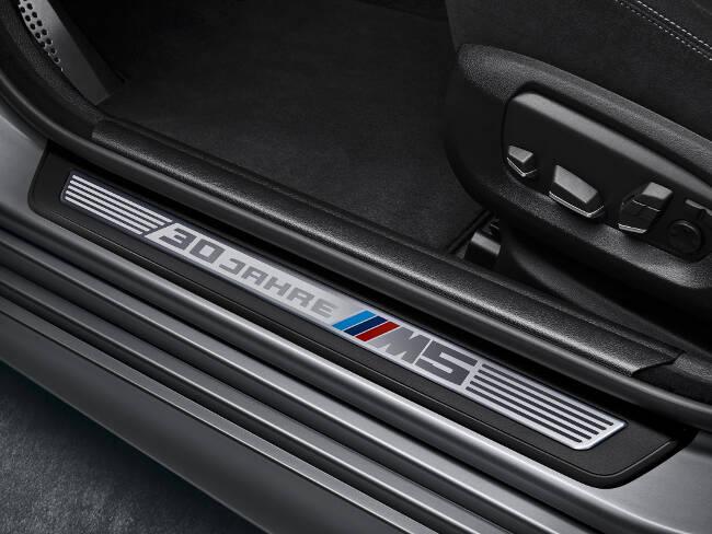 BMW M5 30 Jahre F10 - 4