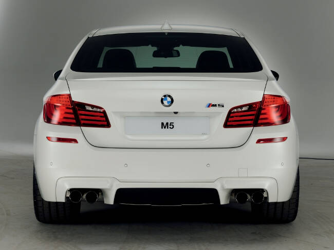 BMW M5 Performance Edition F10 - 7