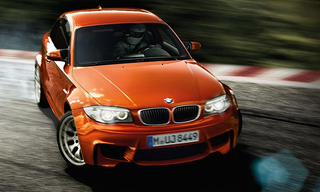 Заряженная-версия-BMW-1-серии-1M