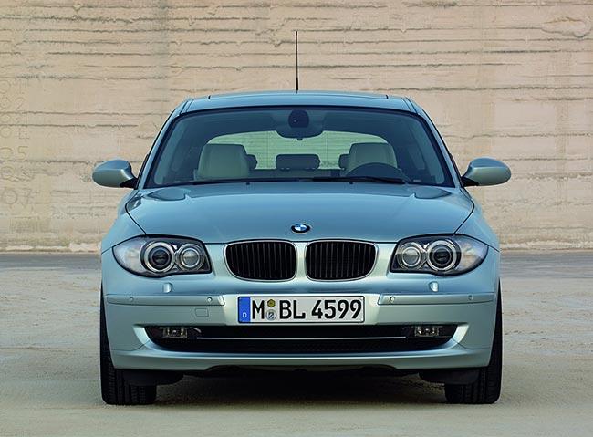BMW-1-Serires-E81-вид-спереди