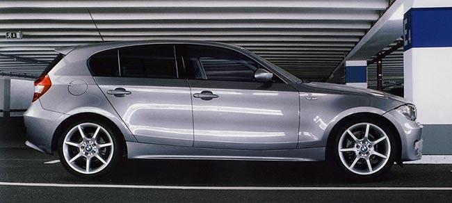 BMW-E87-стал-первым-вариантом-компактных-хэтчбеков-1-серии