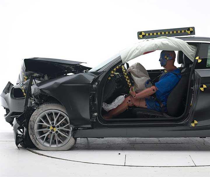 Краш-тест BMW 2 Серии купе