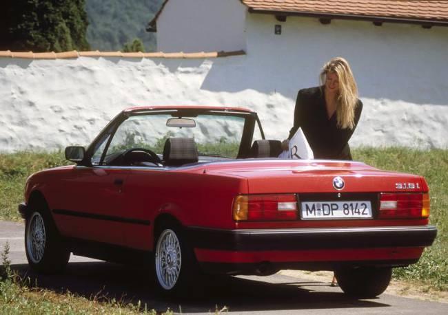 BMW E30 3 Series - 318i Cabrio