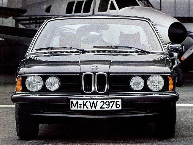 БМВ Е23 - первое поколение 7 серии