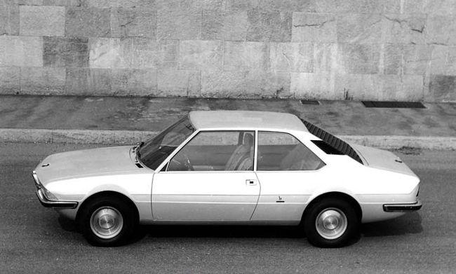 BMW 2200TI от Bertone - с этого авто нарисована внешность первой 5-ки