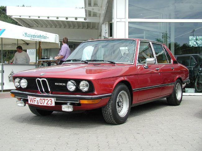 BMW 530i E12 - седан с инжекторным двигателем