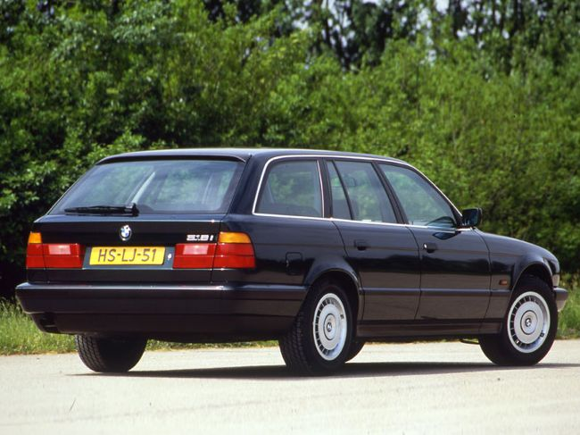 BMW Touring - первая версия универсала 5 серии