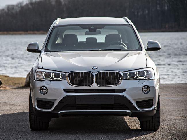 Обновленная версия BMW X3 F25