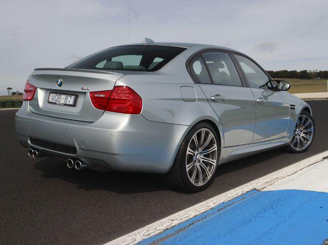 Обновленный седан BMW M3 E90 LCI