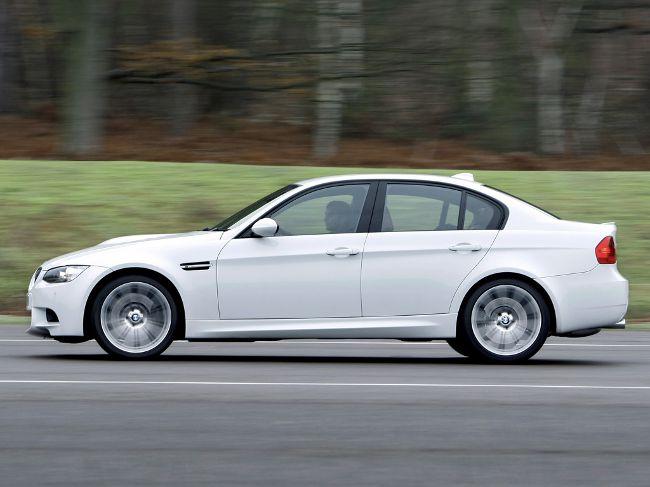 Фото BMW M3 E90 в кузове седан