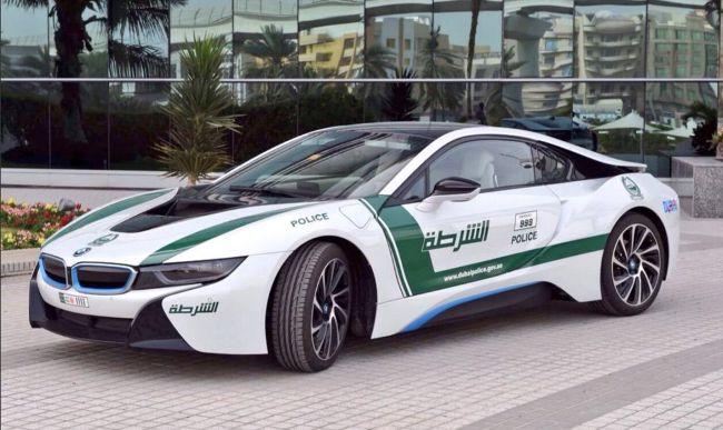 BMW i8 - очередной транспорт для Dubai Police