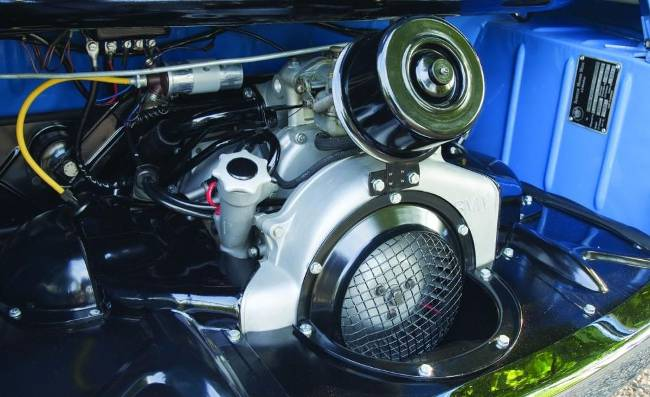 Мотор BMW M102