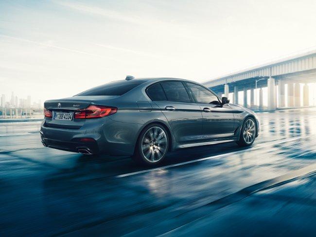 Фото-BMW-G30-5-Series-2017