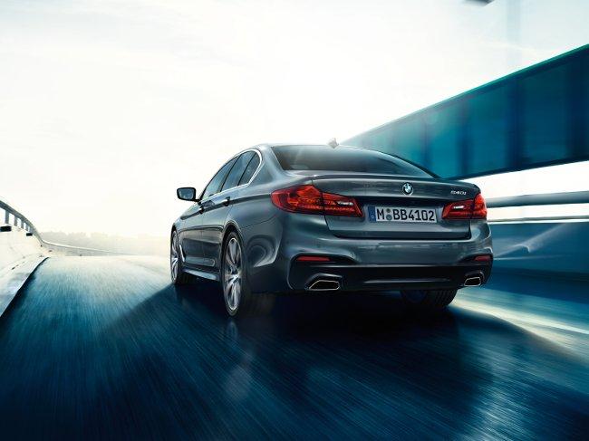 BMW-G30-5-Series-2017-фото