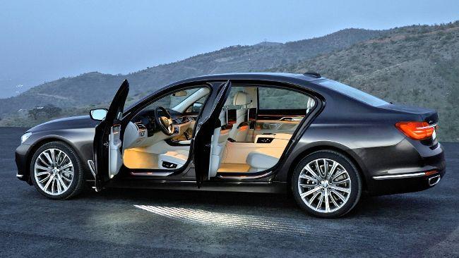 BMW 750Li G12 с полным приводом - фото