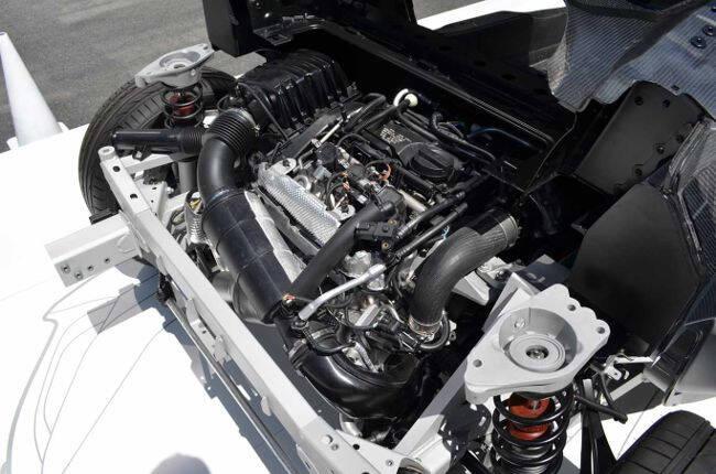Фото двигателя B38 для i8