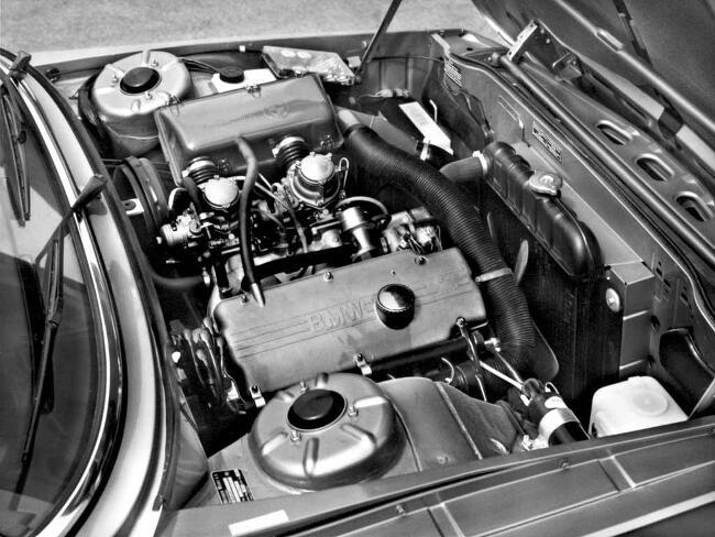 Фото двигателя BMW 520 E12 5 серии