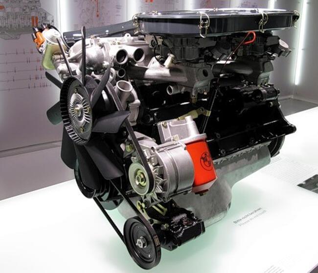 Фото двигателя BMW M30 - 3