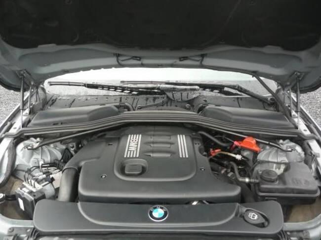 Фото двигателя BMW M47 под капотом E60