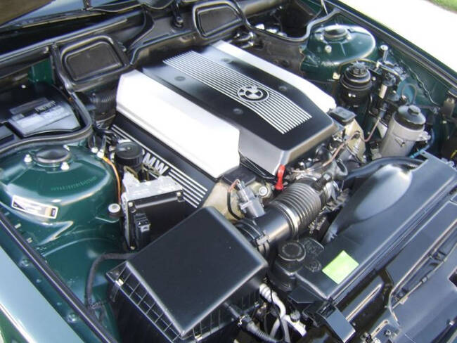 Фото двигателя BMW M62B44