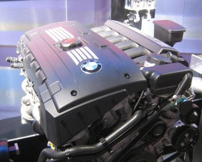 Фото двигателя BMW N53B30 - 2