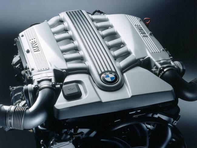 Фото двигателя BMW N73 B60