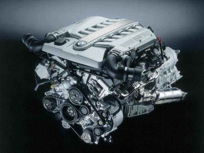 Фото двигателя BMW N73B60