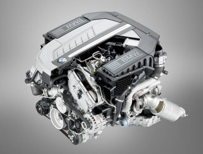 Фото двигателя BMW N74 - 1