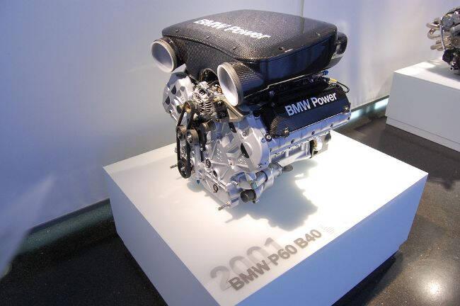Фото двигателя BMW P60