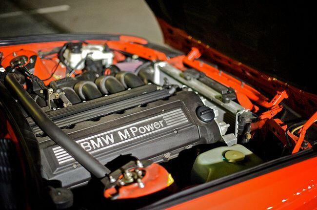 Фото двигателя BMW S52 B32 US