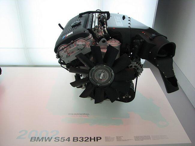 Фото двигателя BMW S54 B32 HP - 7