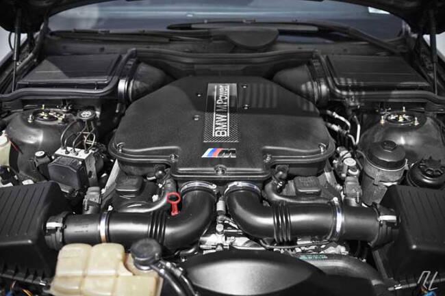 Фото двигателя BMW S62 - 1