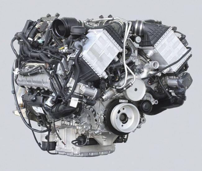 Фото двигателя BMW S63B44 O0