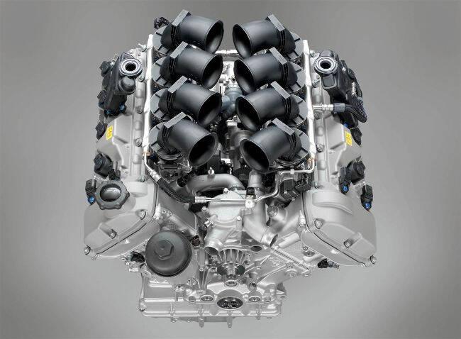 Фото двигателя BMW S65 B40